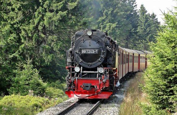 loco-1342717_1920